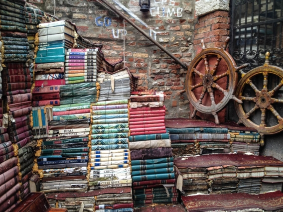 venezia-libreria-acqua-alta1.jpg