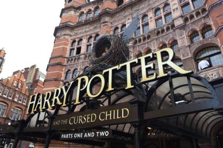 Harry-Potter-and-the-cursed-child-in-London.jpg