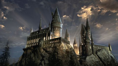 hd-aspect-1490119901-castello-di-hogwarts-harry-potter.jpg