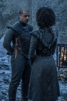 game-of-thrones-8-verme-grigio-e-missandei-maxh-720.jpg